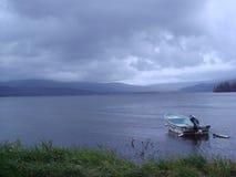 Förbise en tyst sjö Arkivfoto