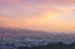Förbise sikten av den Taipei staden Royaltyfria Bilder