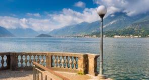 Förbise sjön Como från Bellagio i riktningen av Lenno royaltyfria bilder