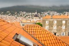 Förbise tak av Dubrovnik och kyrkan av St Blaise Arkivbilder