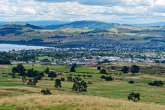 Förbise Taupo och sjön Taupo från Mt Tauhara fotografering för bildbyråer