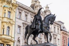 Förbjuda den Jelacic monumentet på fyrkant för central stad av Zagreb fotografering för bildbyråer