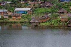 Förbjuda Rak den thailändska byn, en kinesisk bosättning i Mae Hong Son, Thailand Royaltyfri Fotografi