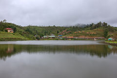 Förbjuda Rak den thailändska byn, en kinesisk bosättning i Mae Hong Son, Thailand Arkivfoto