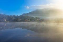 Förbjuda Rak den thailändska byn, en kinesisk bosättning i Mae Hong Son, Thailand Royaltyfria Foton