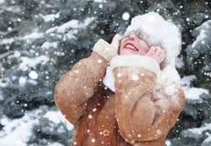 Förblindad snö för vinter kvinna på huvudet Royaltyfri Fotografi