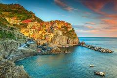 Förbluffa den Manarola byn, Cinque Terre, Liguria, Italien, Europa royaltyfria bilder