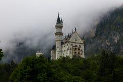 Förbluffa den Neuschwanstein slotten arkivbild