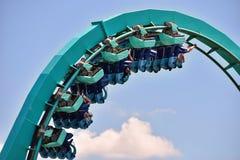 Förbluffa den Themed Kraken berg-och dalbanan på Seaworld i internationellt drevområde royaltyfri fotografi