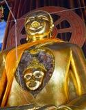 Förbluffa en framsida av den forntida Buddha i Buddha arkivfoton