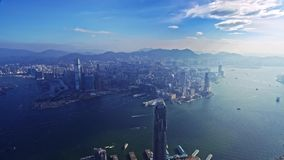 Förbluffa flyg för panorama för surrcityscape flyg- över modern skyskrapa stock video