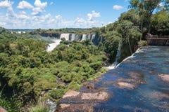 Förbluffa Iguassu vattenfall Arkivbilder