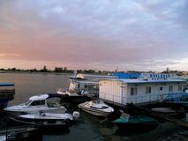 Förbluffa Rumänien - den Tulcea hamnen fotografering för bildbyråer