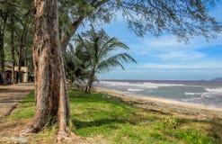 Förbluffa sikt av den Marang stranden, Terengganu royaltyfria bilder