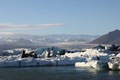 Förbluffa stycken av isisflak Arkivbilder