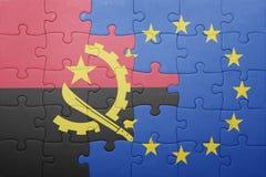 Förbrylla med nationsflaggan av Angola och europeisk union Royaltyfria Bilder