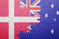 Förbrylla med nationsflaggan av Danmark och Australien arkivbild