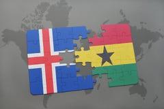 förbrylla med nationsflaggan av Island och Ghana på en världskarta Arkivfoton