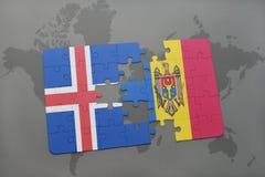 förbrylla med nationsflaggan av Island och moldova på en världskartabakgrund Arkivbild