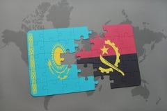förbrylla med nationsflaggan av kazakhstan och Angola på en världskarta Royaltyfria Bilder