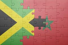 förbrylla med nationsflaggan av Marocko och Jamaica Arkivbilder
