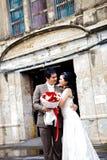 förbunde lyckabröllop arkivfoton