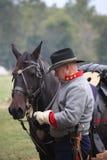 Förbundsmedleminbördeskrigsoldat med hästen Royaltyfri Fotografi