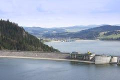 fördämning över vatten Fotografering för Bildbyråer