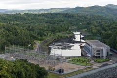 Fördämning av hydroelektriskt arkivfoton