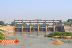 Fördämning av vattenkraftväxten i det ayutthaya landskapet Fotografering för Bildbyråer