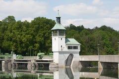 Fördämning på sjön i Augsburg Arkivfoton