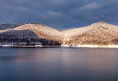 Fördämning sjö Vidraru Arkivbild