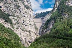 Fördämning Vaiont. Landskap Belluno, Italien Fotografering för Bildbyråer