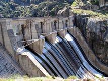 fördämningvatten Arkivbild