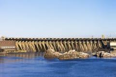 Fördämningvattenkraftbransch Royaltyfria Bilder