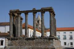 Fördärva av den roman groteska templet Arkivfoto