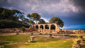 Fördärva av kristen kyrka i Tipasa, Algeriet arkivbild