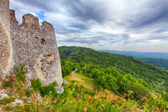 Fördärva av slotten Tematis, Slovakien naturlandskap Royaltyfri Bild