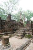 Fördärva av stenväggen och trappa, Thailand Fotografering för Bildbyråer