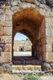 Fördärvar av århundradefästningen för th 12 av Hospitallersen - Belvoiren - Jordan Star - i Jordan Star National Park nära den Af Arkivbilder