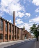 Fördärvar av övergiven fabrik Arkivbild