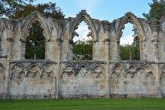 Fördärvar av abbotskloster för St Mary ` s i York Royaltyfri Fotografi