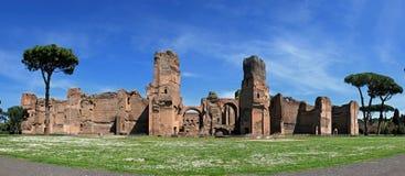 Fördärvar av baden av Caracalla i Rome Royaltyfri Bild