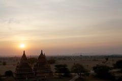 Fördärvar av Bagan på gryning, Myanmar Arkivbilder