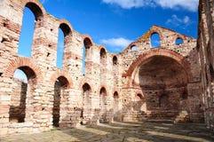 Fördärvar av bysantinsk kyrka i Nesebar Royaltyfri Foto