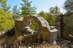Fördärvar av bysantinska kyrkliga Gerbekilise på den Bozburun halvön nära Royaltyfri Fotografi