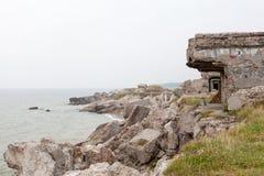 Fördärvar av de nordliga forten på stränderna av Karosta Royaltyfri Fotografi