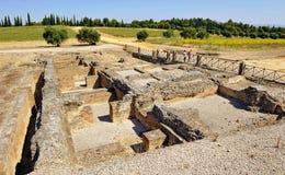 Fördärvar av de termiska baden, arkeologisk plats av den romerska staden av Italica, Andalusia, Spanien arkivbild