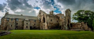 Fördärvar av den Aberdour slotten, Skottland Arkivfoton
