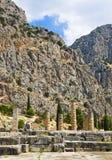 Fördärvar av den Apollo templet i Delphi, Grekland Arkivfoto